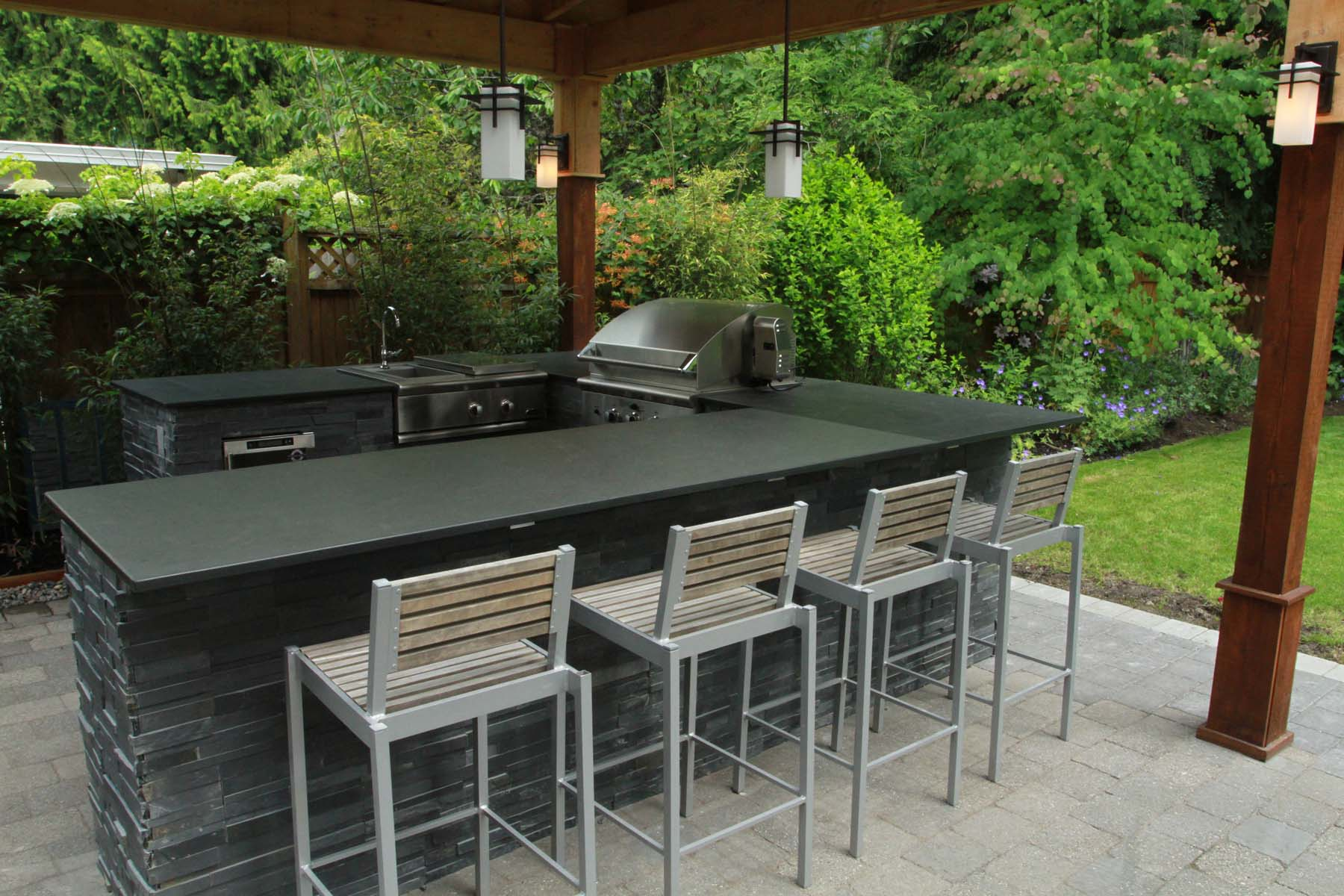 https://gclc.ca/wp-content/uploads/2015/08/Outdoor-Kitchens.jpg