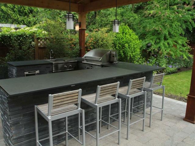 Outdoor Kitchen 1 640x480 C