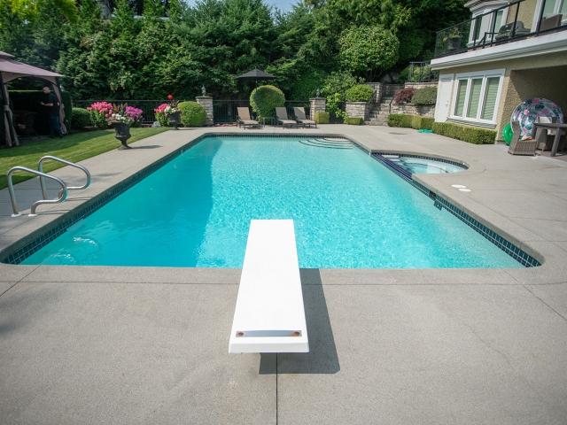 Pool 640x480 C