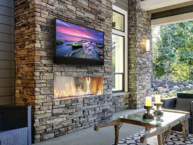 Services Outdoor Living Entertainment 640x480 C